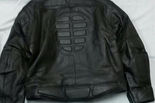 Accessori moto: Giubbotto nero in pelle