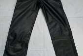 Pantalone nero in pelle ingrassato